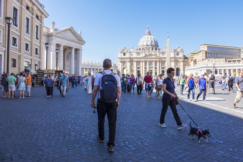 Roam International: Enjoy the rich culture with your pet while in Rome